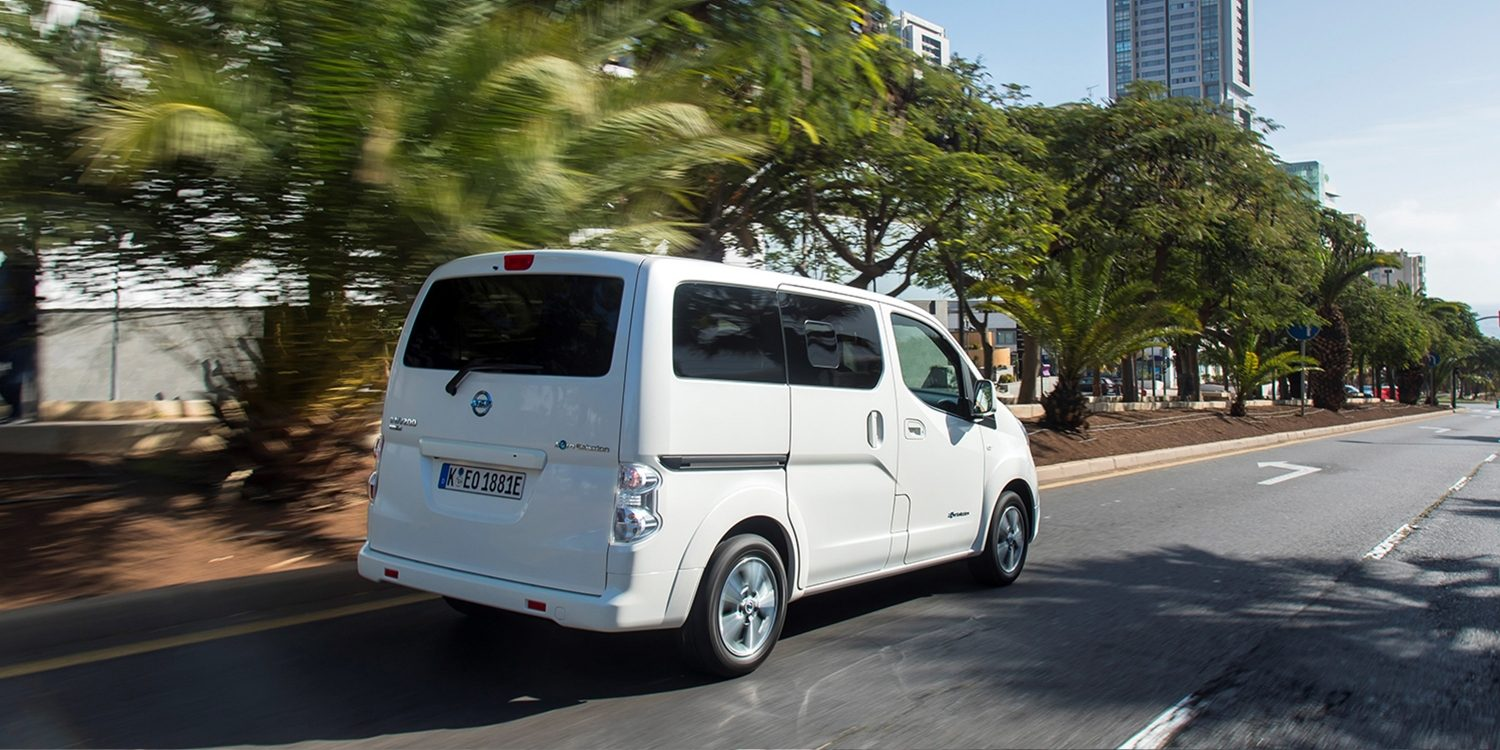 New Nissan e-NV200 Evalia driving shot 3/4 rear