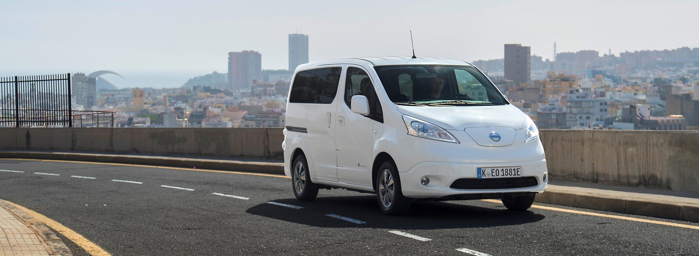 New Nissan e-NV200 Evalia driving in the city