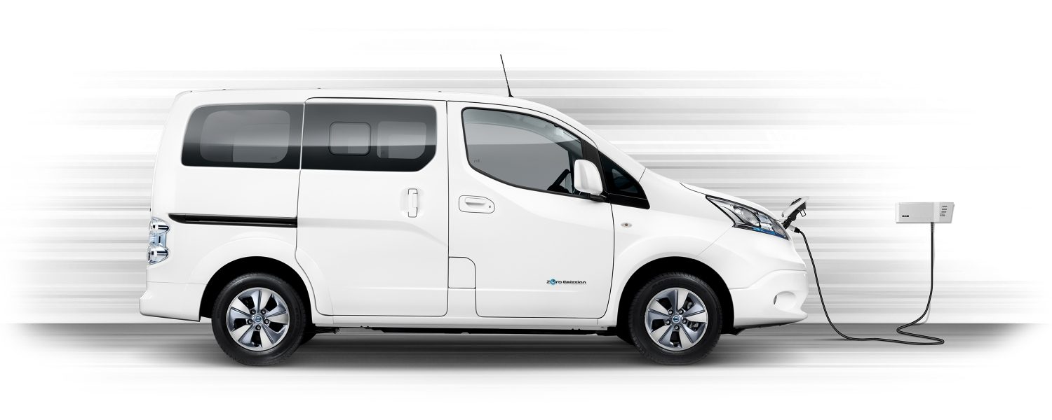 Nya Nissan e-NV200 Evalia profilvy laddning med wallbox