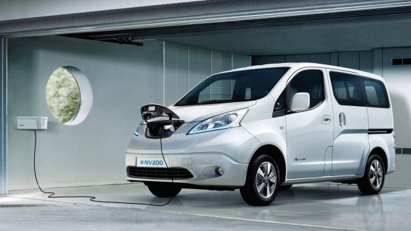 New Nissan e-NV200 charging at home with wallbox