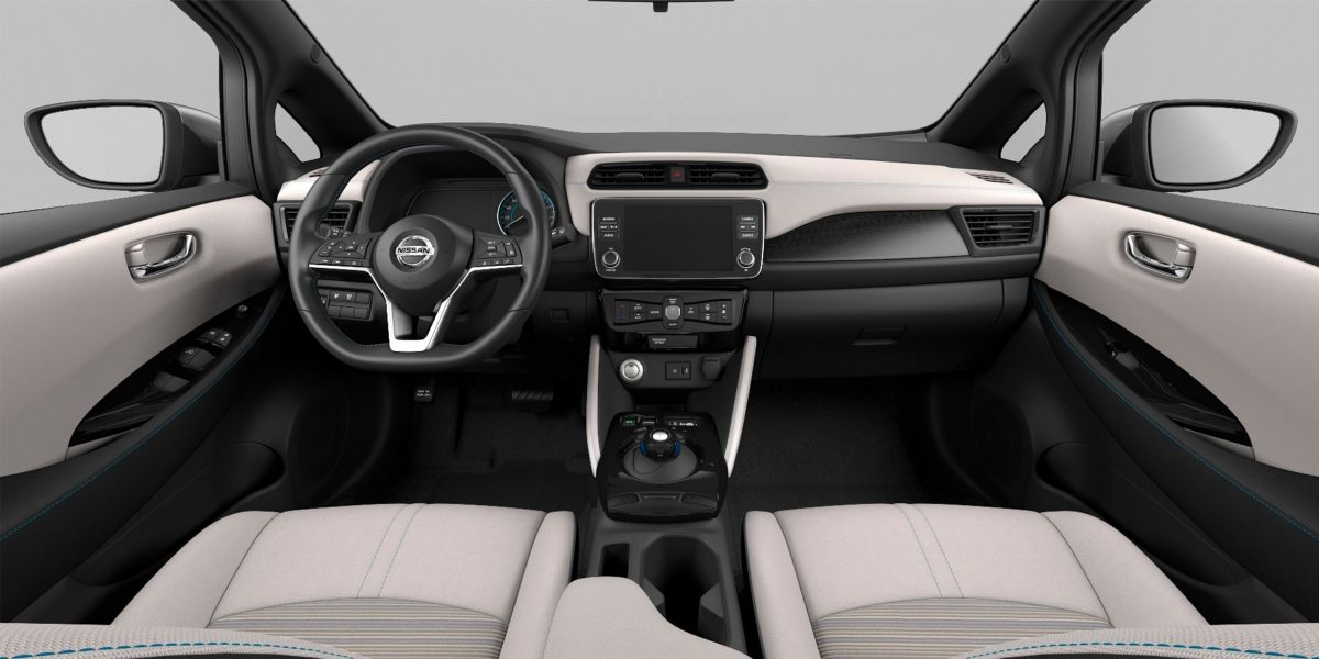 Nissan LEAF salons ar Light Gray auduma apdari