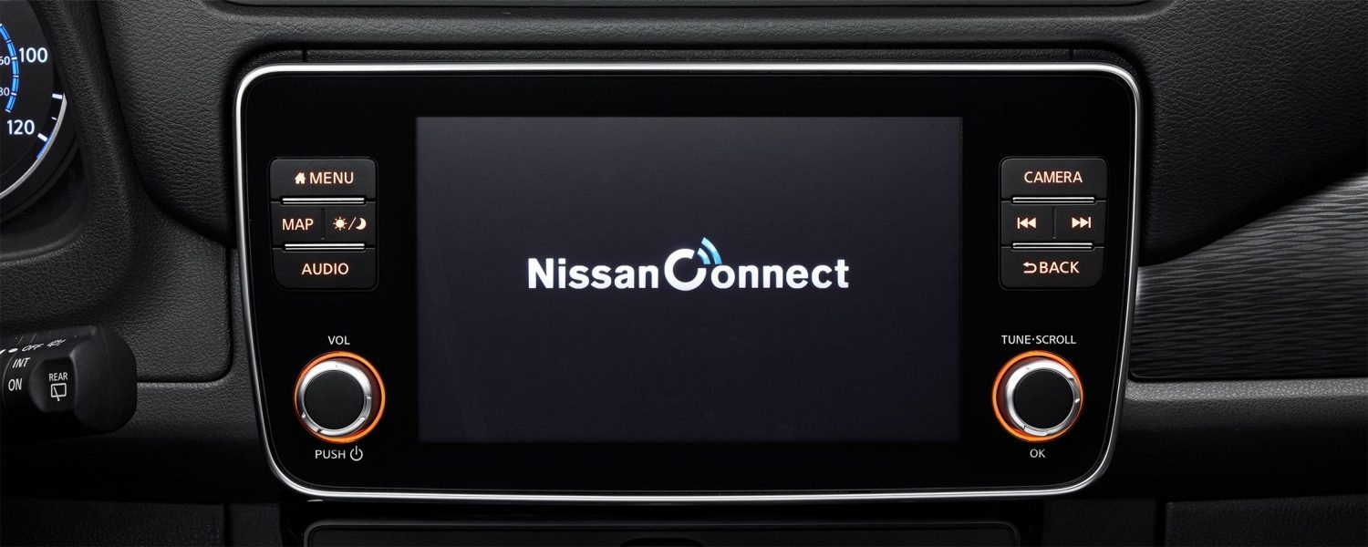 Nissan LEAF multitouch screen with NissanConnect app