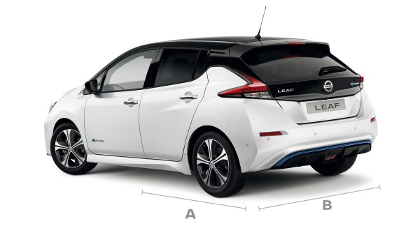 Nissan LEAF 3/4 rear with lines for dimensions