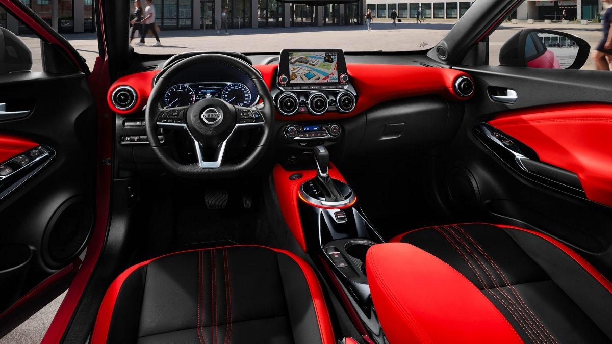 Nissan JUKE N-Design orange pack interior