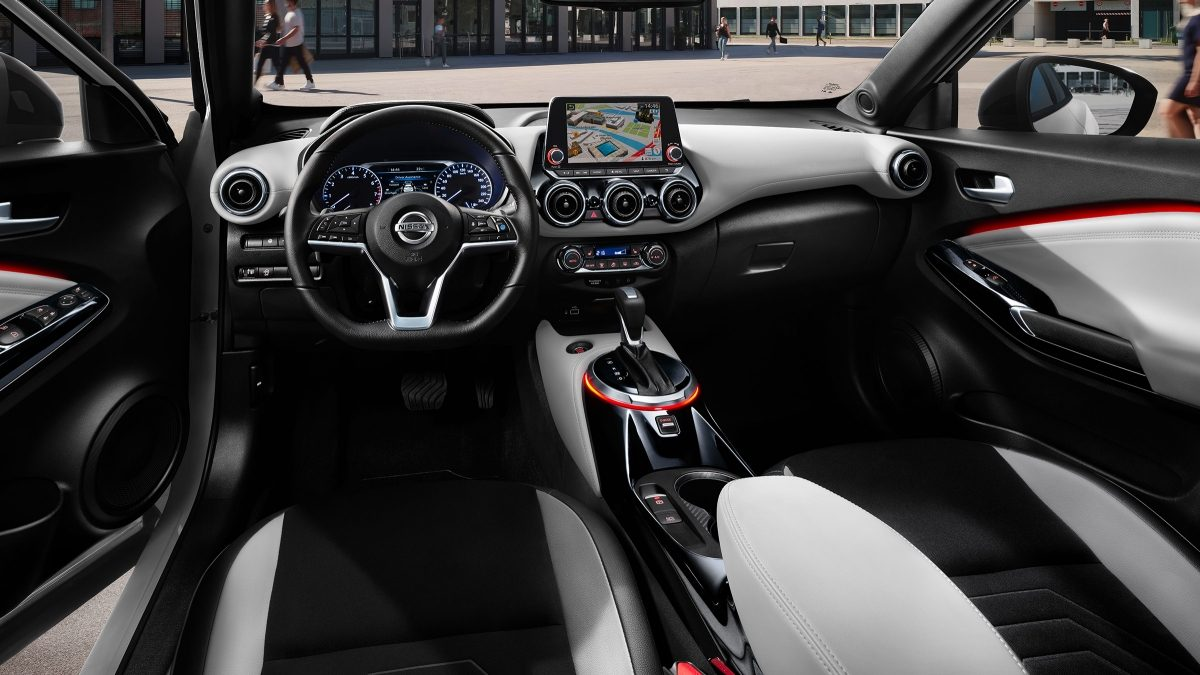 Nissan JUKE N-Design white pack interior