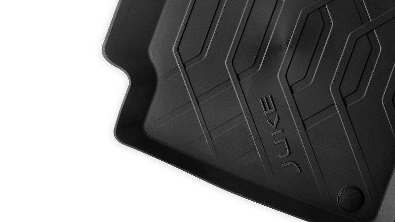 Nissan JUKE rubber mat with walls