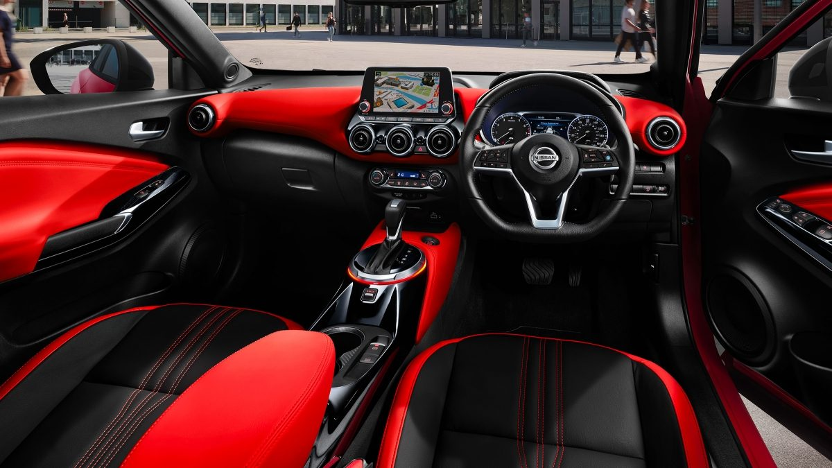 Nissan JUKE Tekna+ orange pack interior