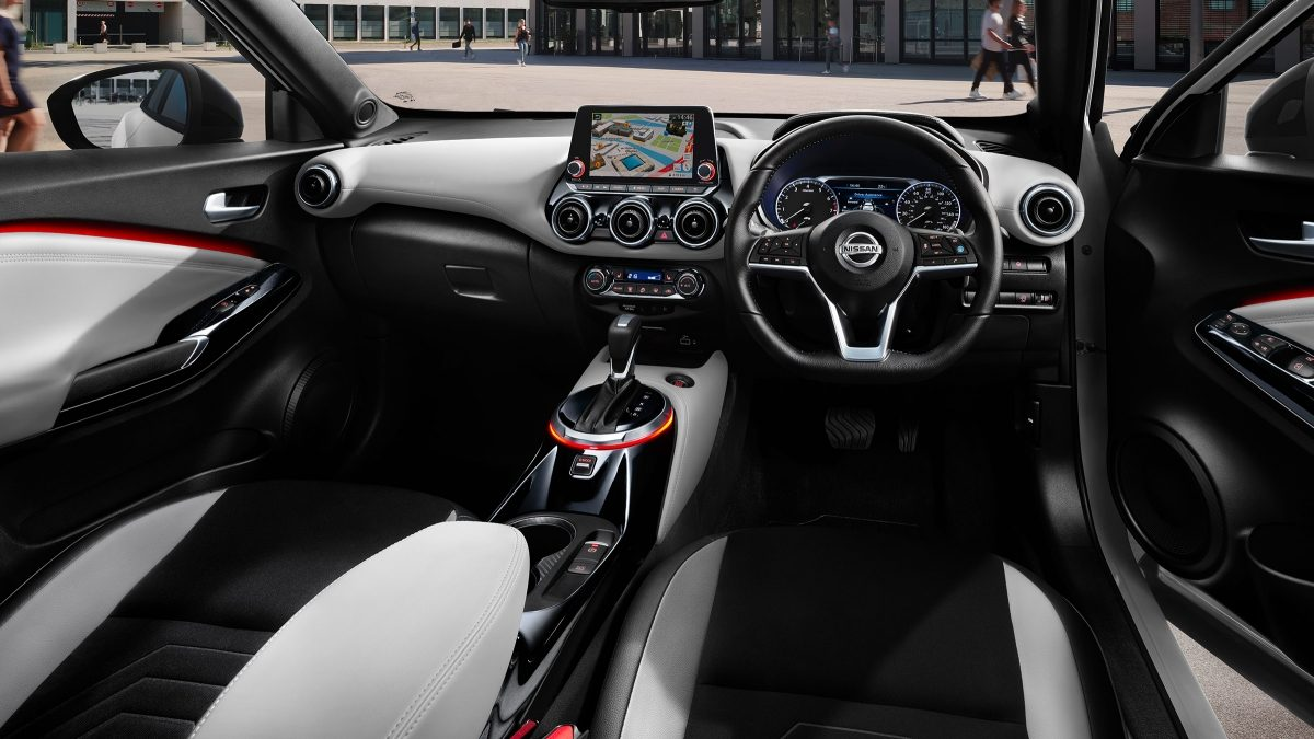 Nissan JUKE Tekna+ light grey pack interior