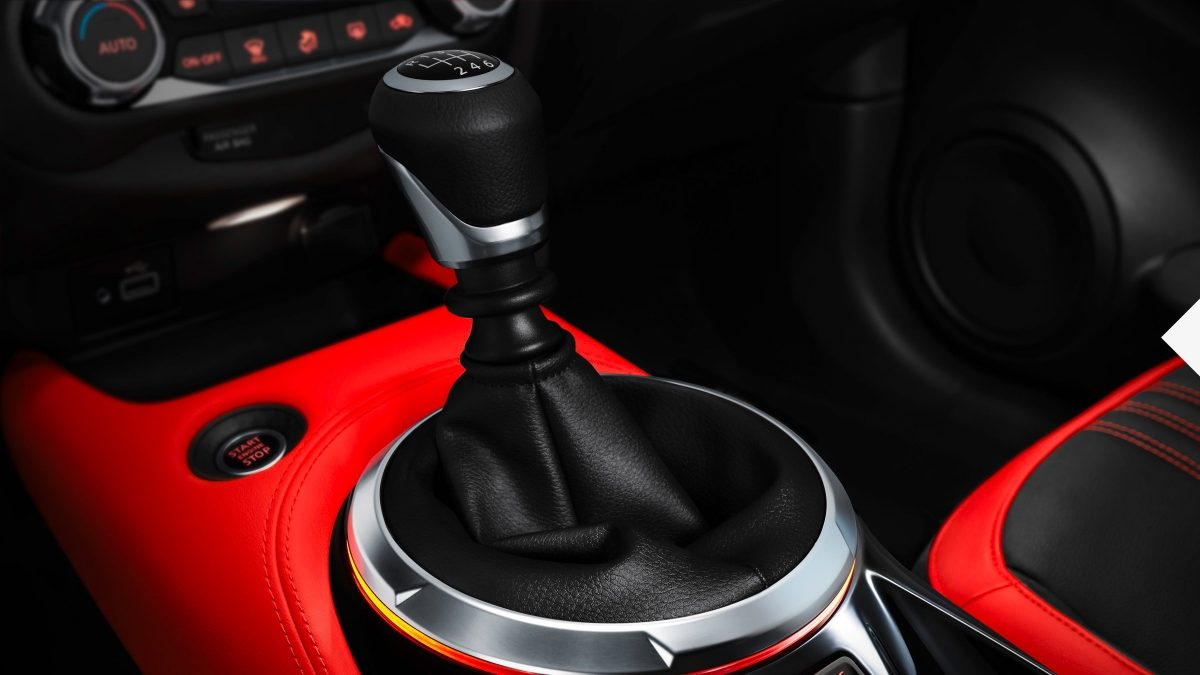 Nissan JUKE 6-speed manual gearknob