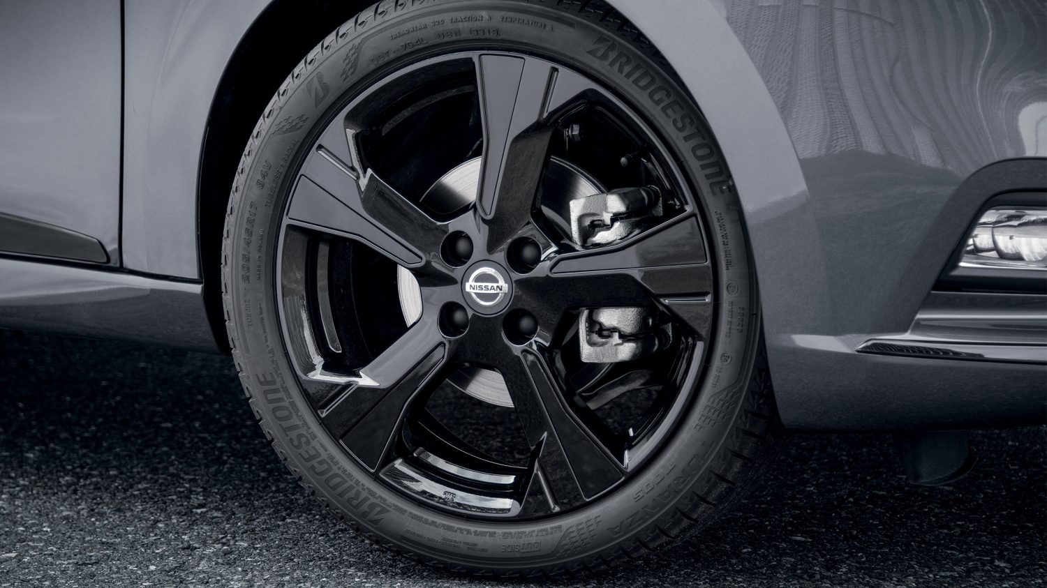 Nissan MICRA N-TEC 17 inch black alloy wheel