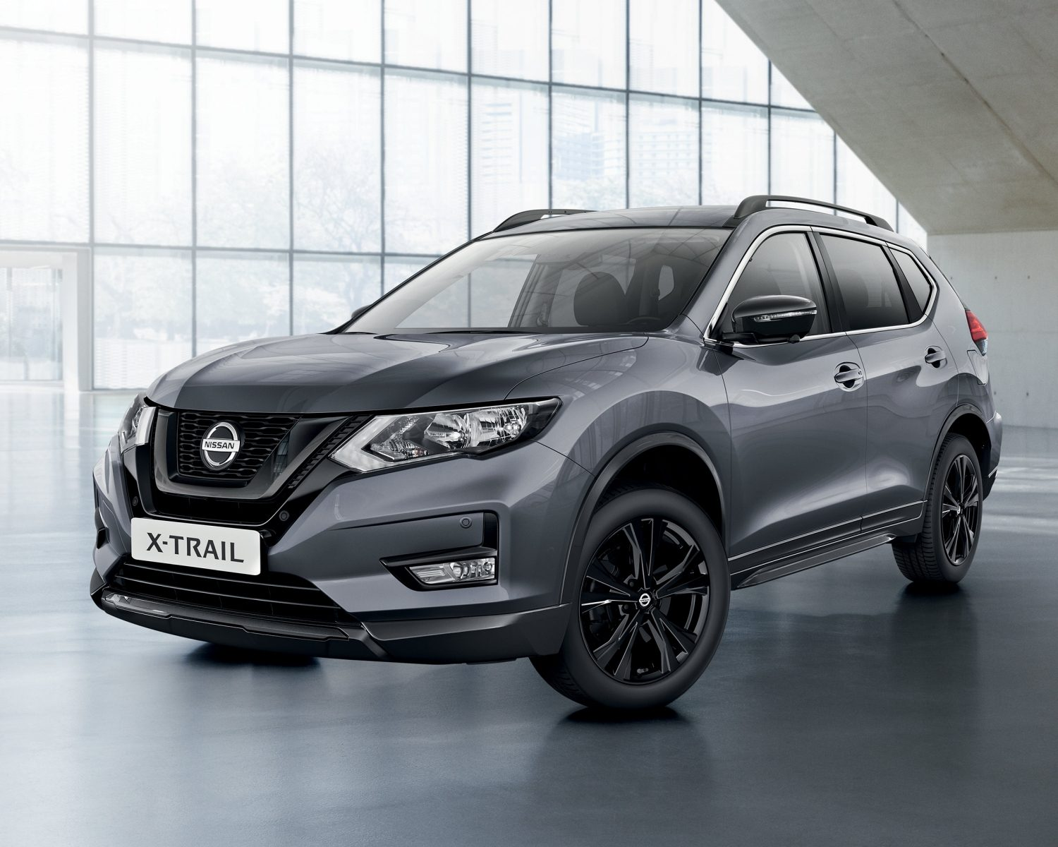 Frente a 3/4 do Nissan X-TRAIL N-TEC