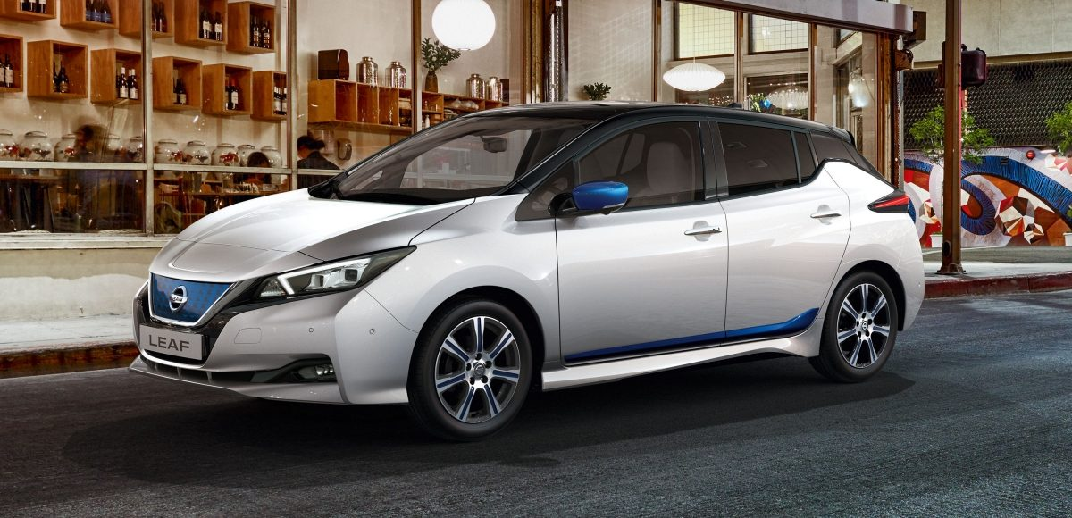 Nissan Leaf with elegance pack blue
