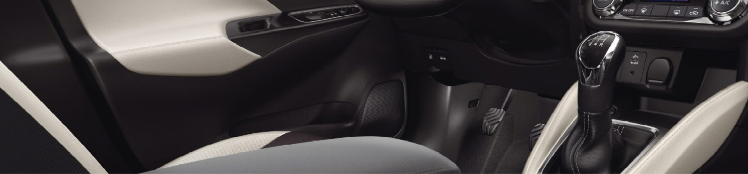 Nissan Micra pack interior view grey n sport