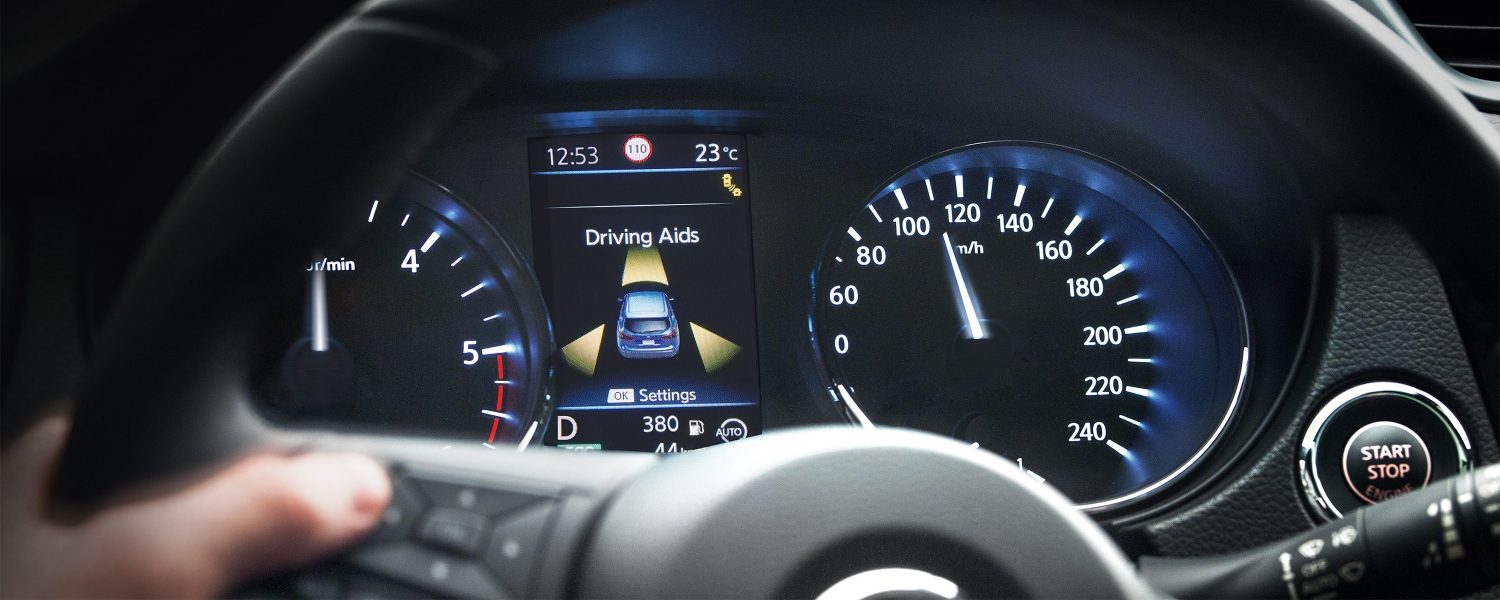 Qashqai dashboard driving aids