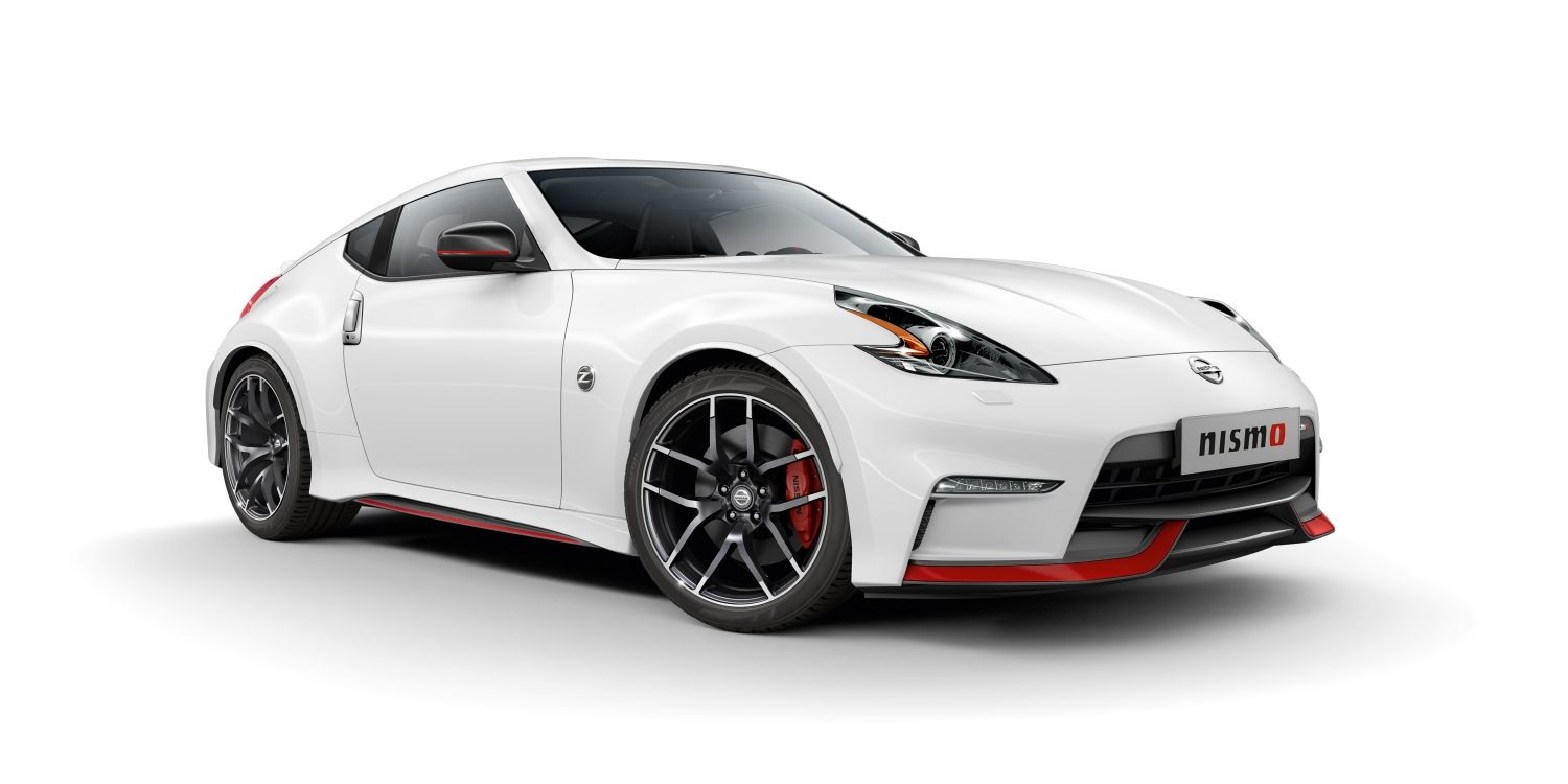 NISSAN 370Z COUPÉ Brilliant White – 3/4 Frontansicht