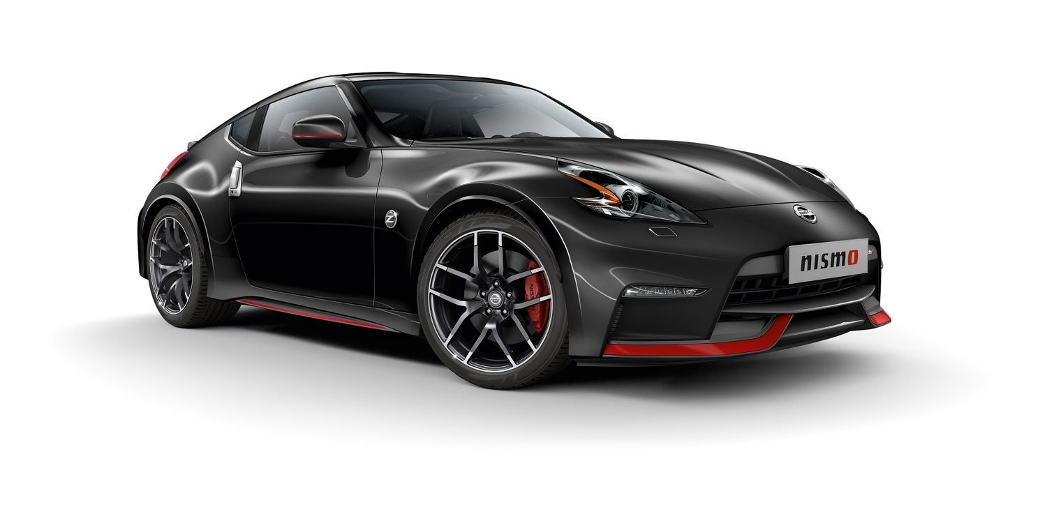 Nissan 370Z Coupé Diamond Black - 7/8 vooraanzicht