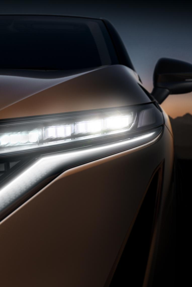 Nissan ARIYA detail koplamp