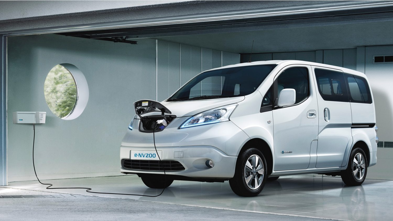nissan e nv200 evalia 7 sitzer elektroauto. Black Bedroom Furniture Sets. Home Design Ideas