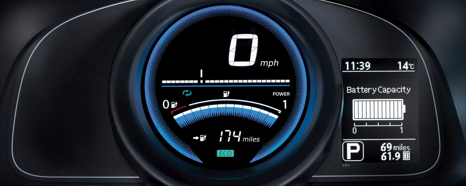 New Nissan e-NV200 COMBI dashboard with full charge