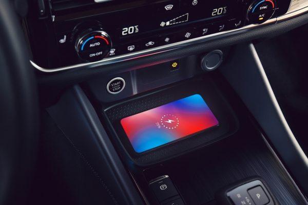Nissan QQ wireless charging