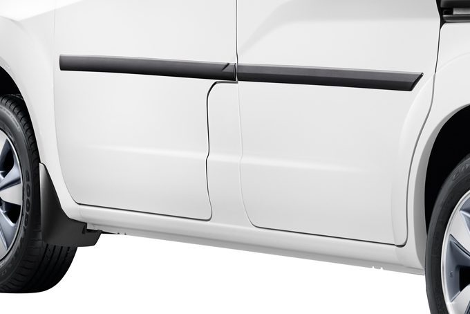 Nissan e-NV200 - Exterior - Body side mouldings