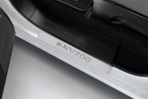Nissan e-NV200 Evalia - Interior - Entry guards front