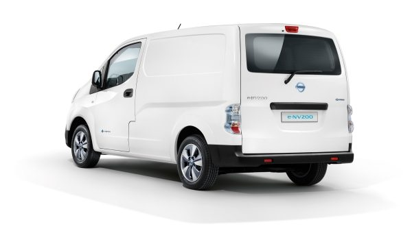 Nissan e-NV200 white - 7/8 side rear view