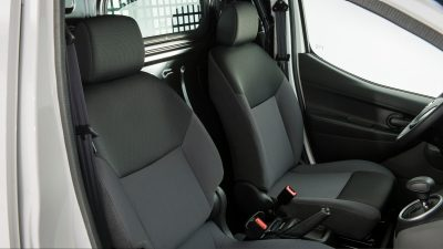 Nissan e-NV200 - Front seats view