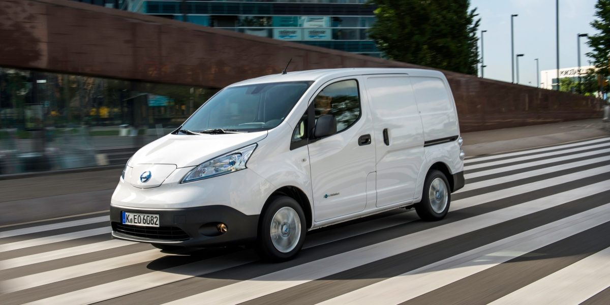 Nissan e-NV200 - 3/4 front view with driver