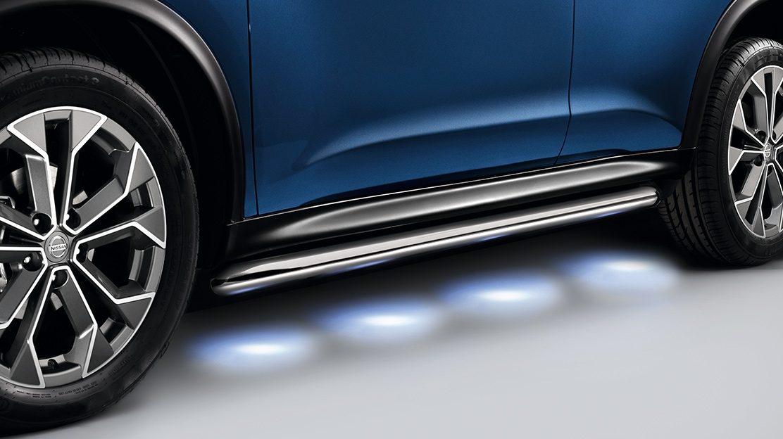 Nissan JUKE 2018: подсветка дороги