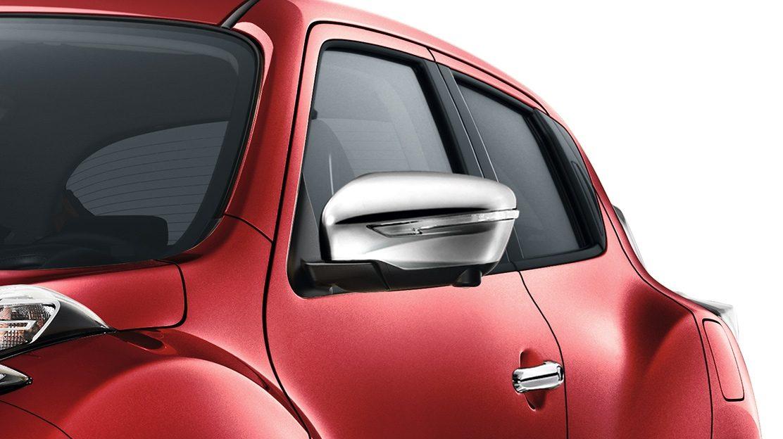 Nissan JUKE 2018: хромированные накладки на зеркала