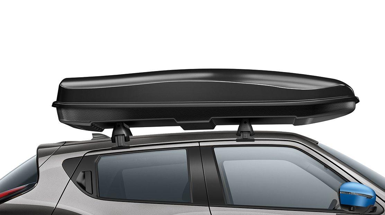 Nissan JUKE 2018: багажник черного цвета, среднего размера, быстро устанавливающийся на крыше и открывающийся на две стороны