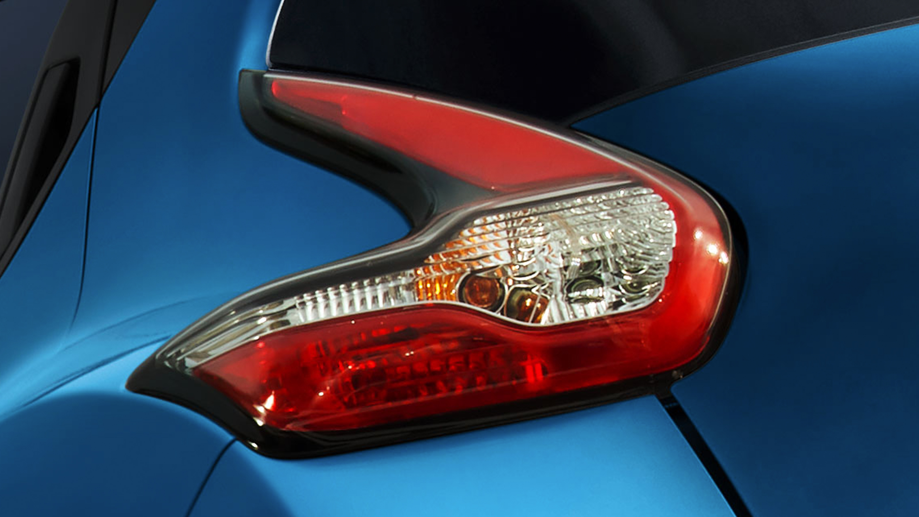 2018 Nissan JUKE Boomerang Tail Lights