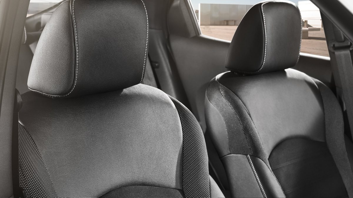 2018 Nissan JUKE graphite cloth trim