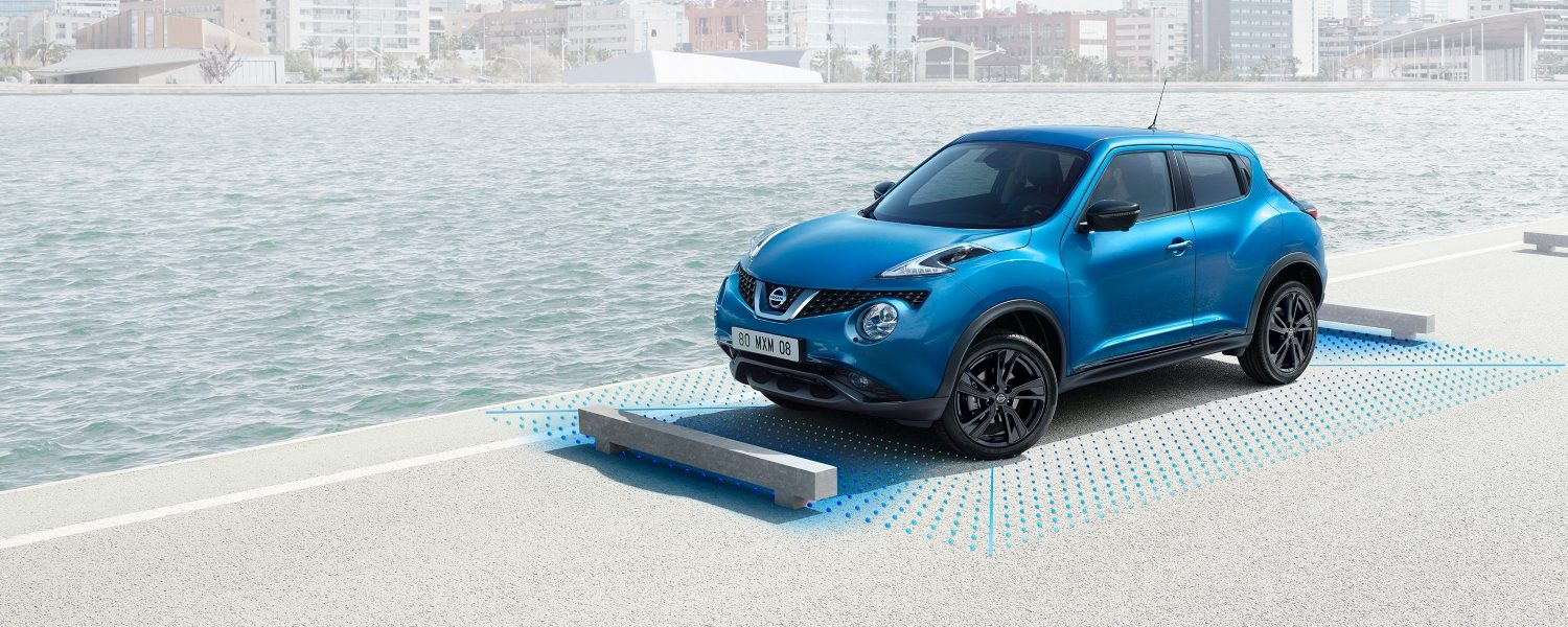 Nissan JUKE 2018 3/4 parkering med around view monitor