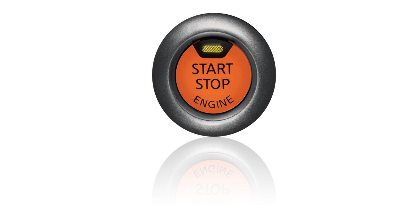 Nissan JUKE 2018: кнопка запуска и остановки двигателя