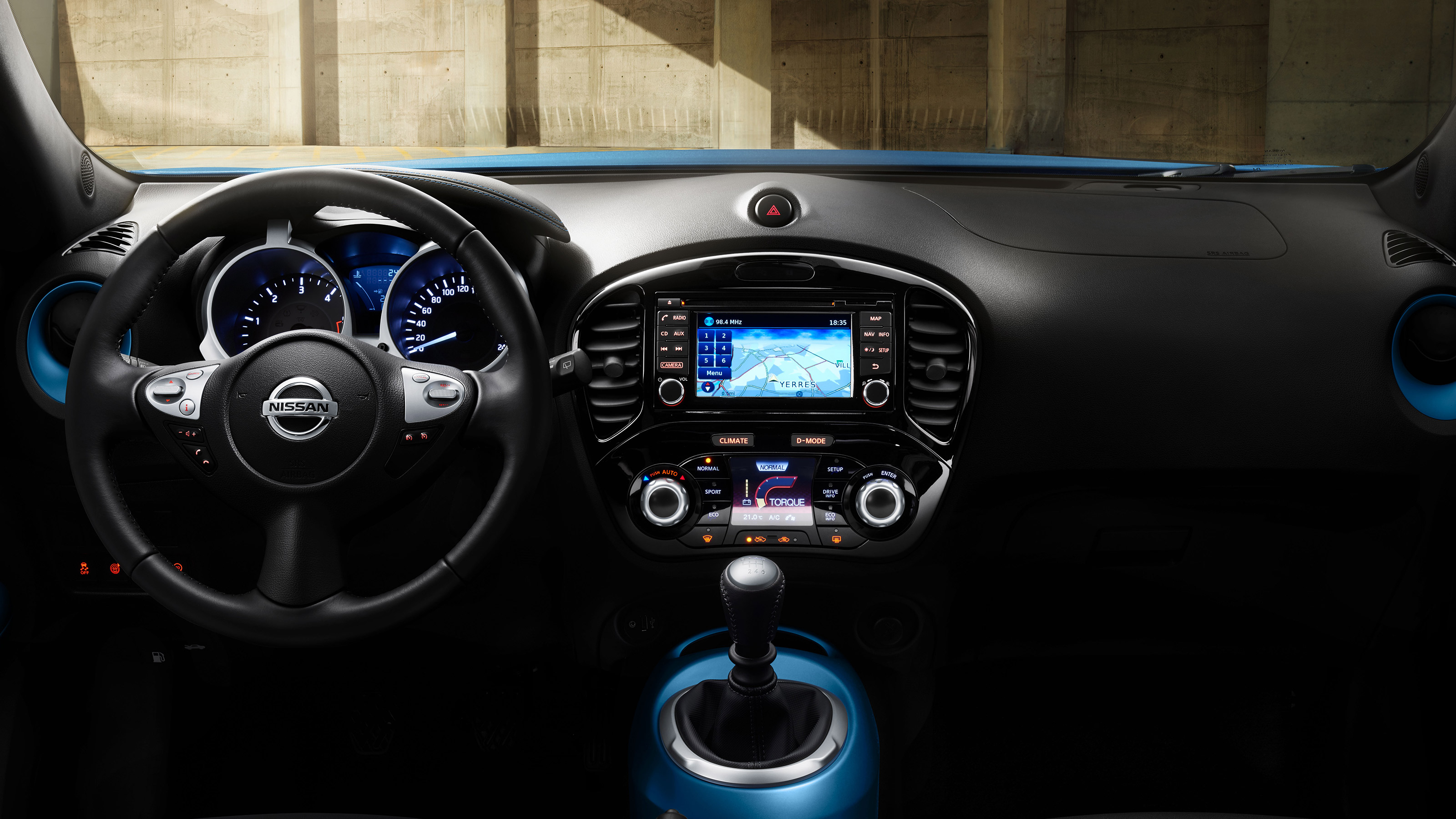 New Nissan Juke interior view of the dashboard