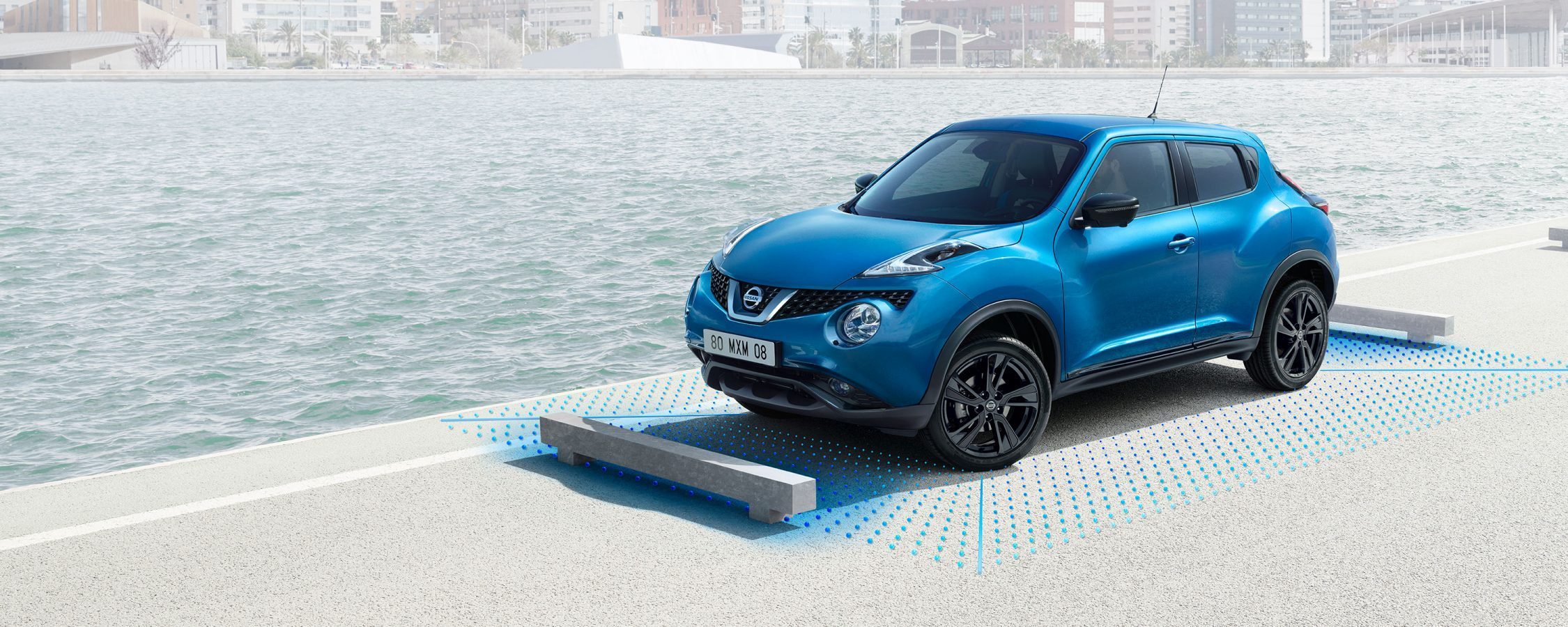 Nissan JUKE 2018 parkeert met intelligent around view monitor