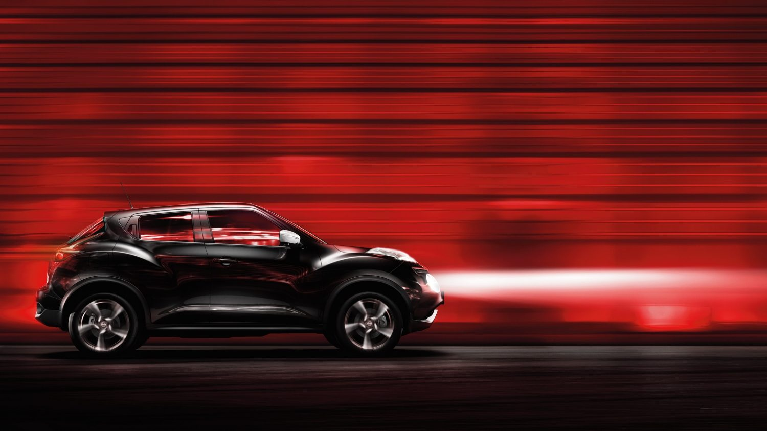 Nissan Juke black - profile view