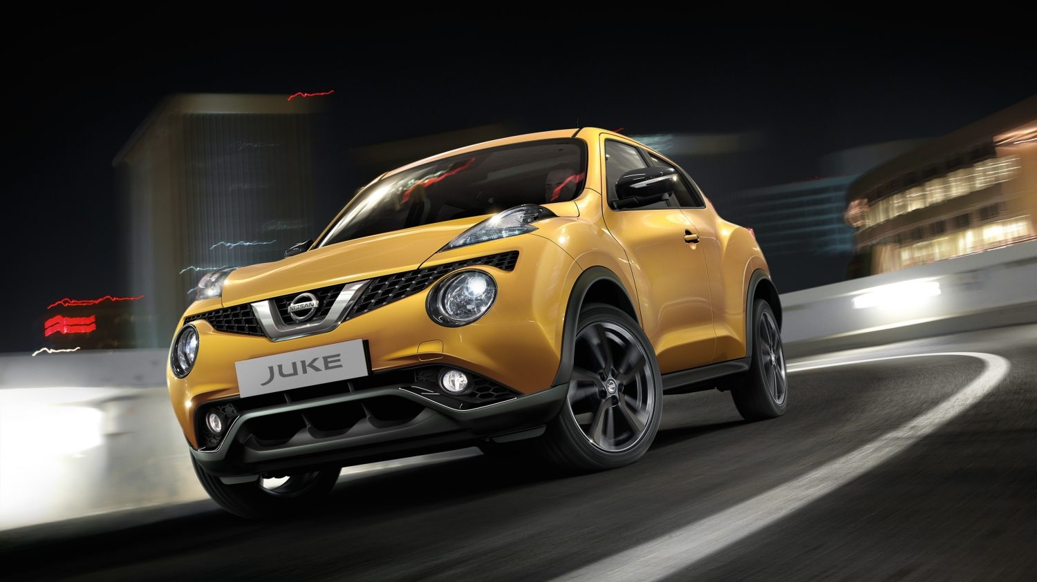 Nissan Juke yellow - 3/4 front view
