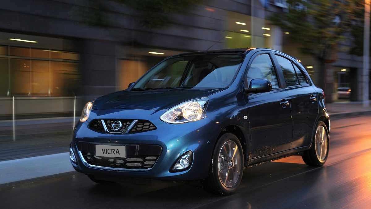 Nissan Micra Pacific Blue - 3/4 front view