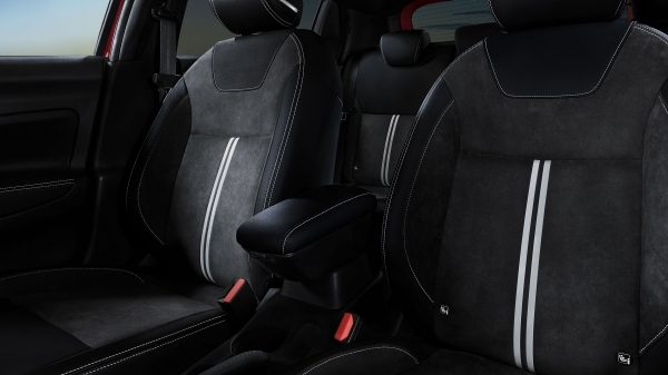 Nissan Micra N-SPORT seats photo