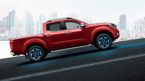 Nissan Navara illustration of hill start assist