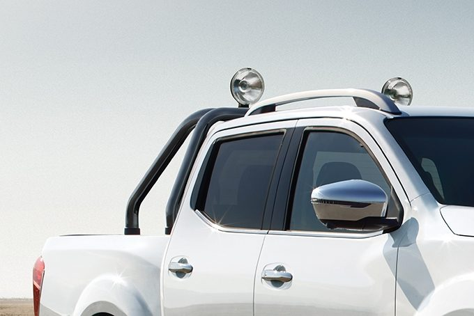 Nissan Navara roof lights