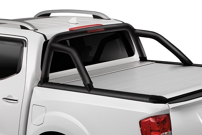 Nissan NP300 Navara Double Cab - Bed styling bar without spot lamps - Black