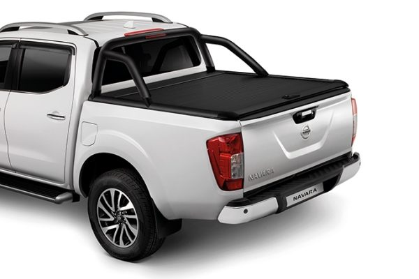 Nissan Navara black roll cover