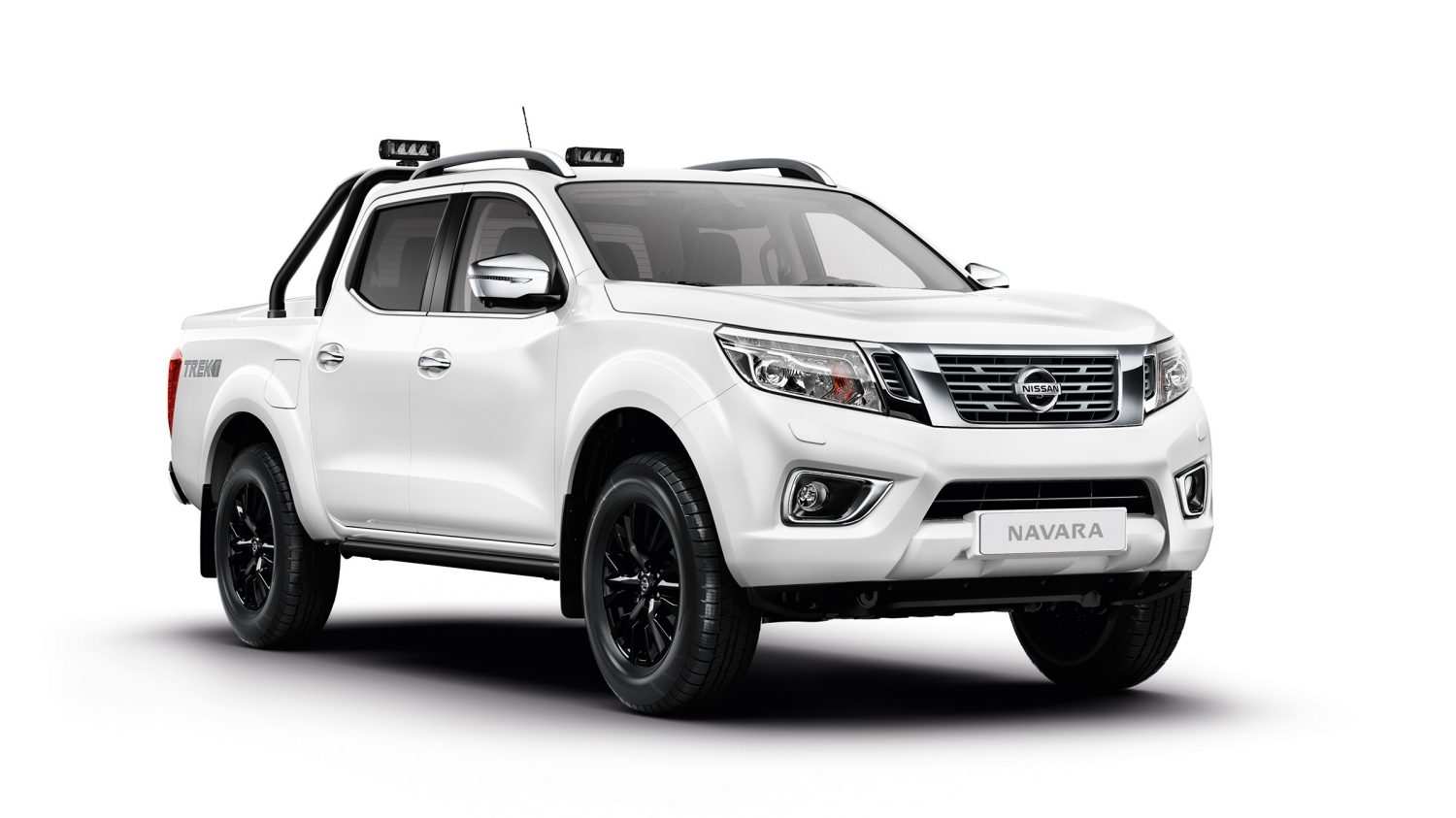 Nissan NP300 NAVARA Double Cab Visia - 3/4 front view