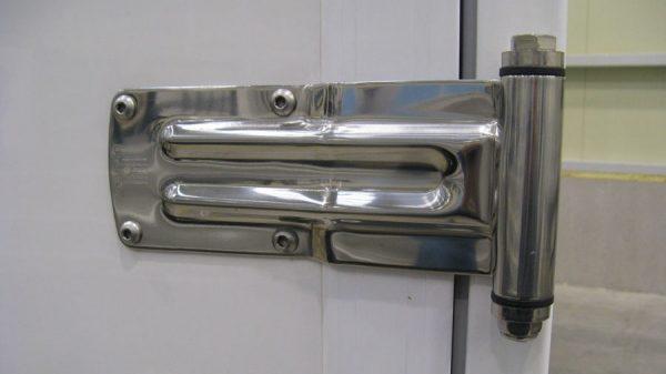 NISSAN NT400 CABSTAR KOFFER – korrosionsgeschützte Türen