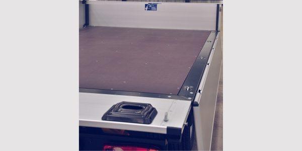 nt400-dropside-non-slip-deck-2