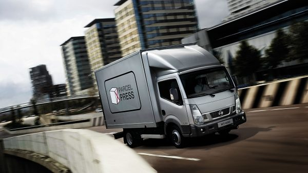 Nissan NT400 CABSTAR - Camion simple cabine
